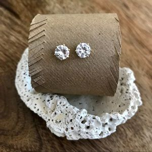 Cubic zirconia 'diamond' stud earrings.